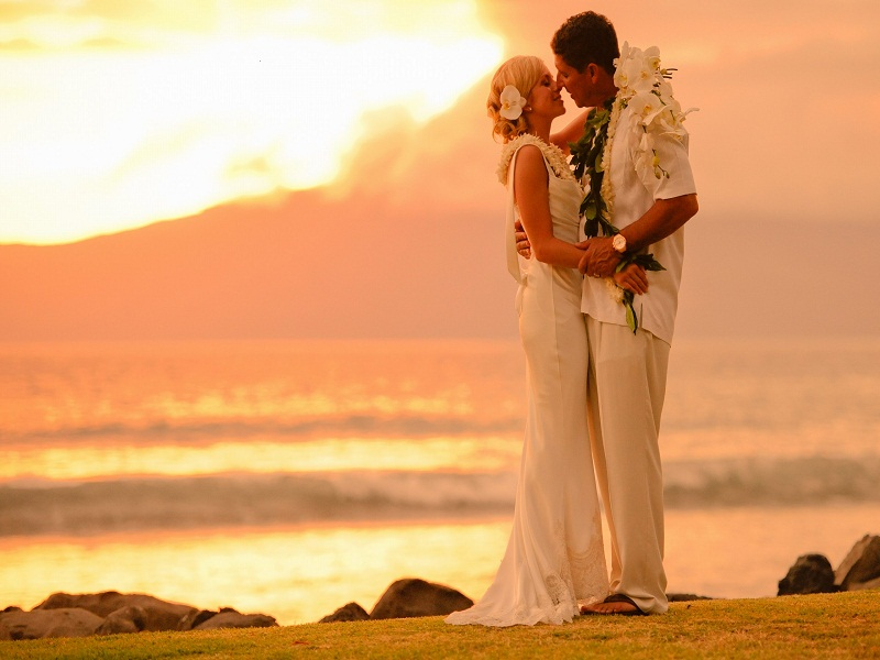 Hawaiian marriage honeymoon